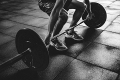 person-holding-barbell-841130_sw