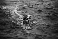 person-swimming-in-ocean-1936907_sw
